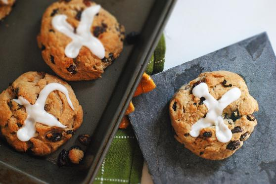 Cinnamon Hot Cross Buns