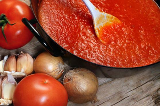 Homemade Simple Tomato Sauce